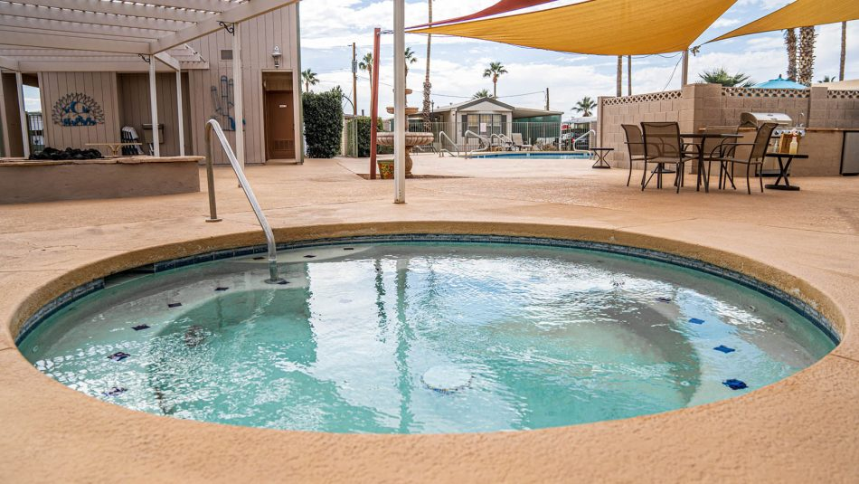 Ironwood RV & Mobile Home Park spa and pool