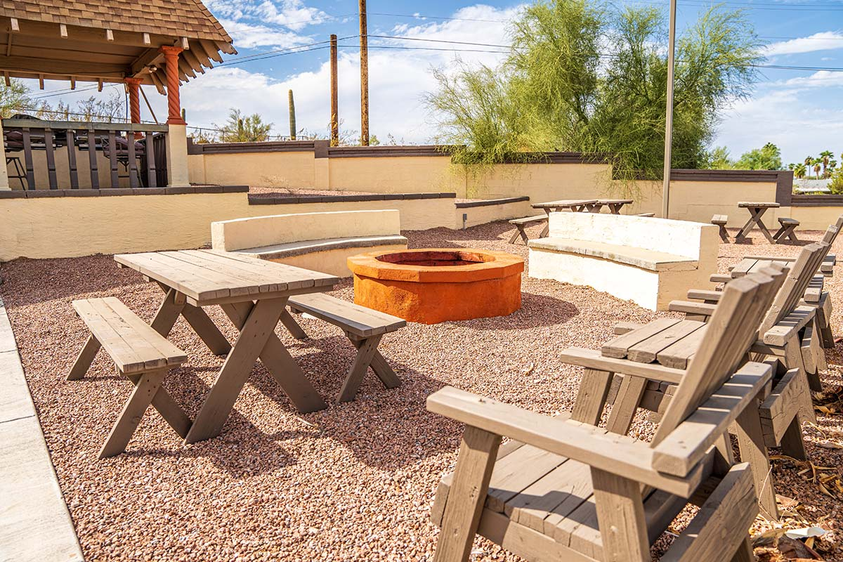 Superstition Lookout RV Resort gas fire pit and sitting area