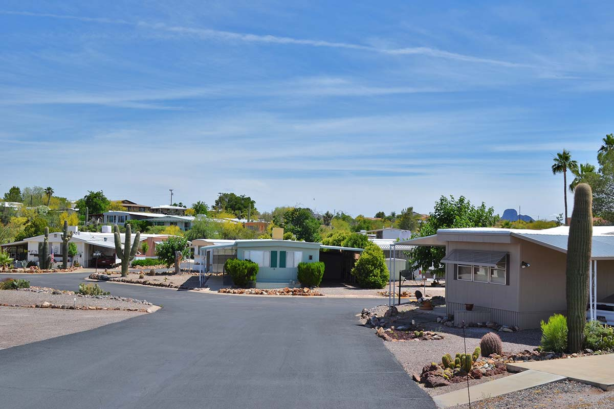 Entrance to Country Club Mobile Home & RV Park