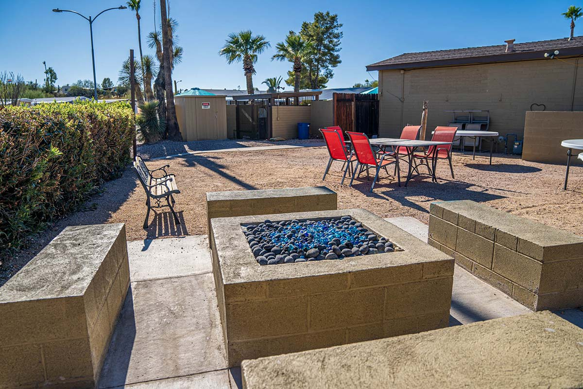 Country Club Mobile Home & RV Park's Gas Fire-pit and sitting area