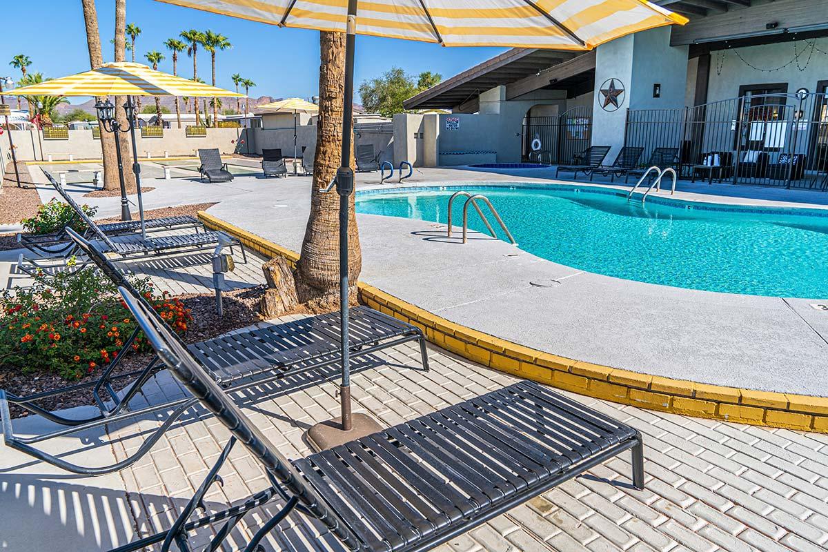 El Dorado Mobile Estates & RV Park's pool and lounge areas