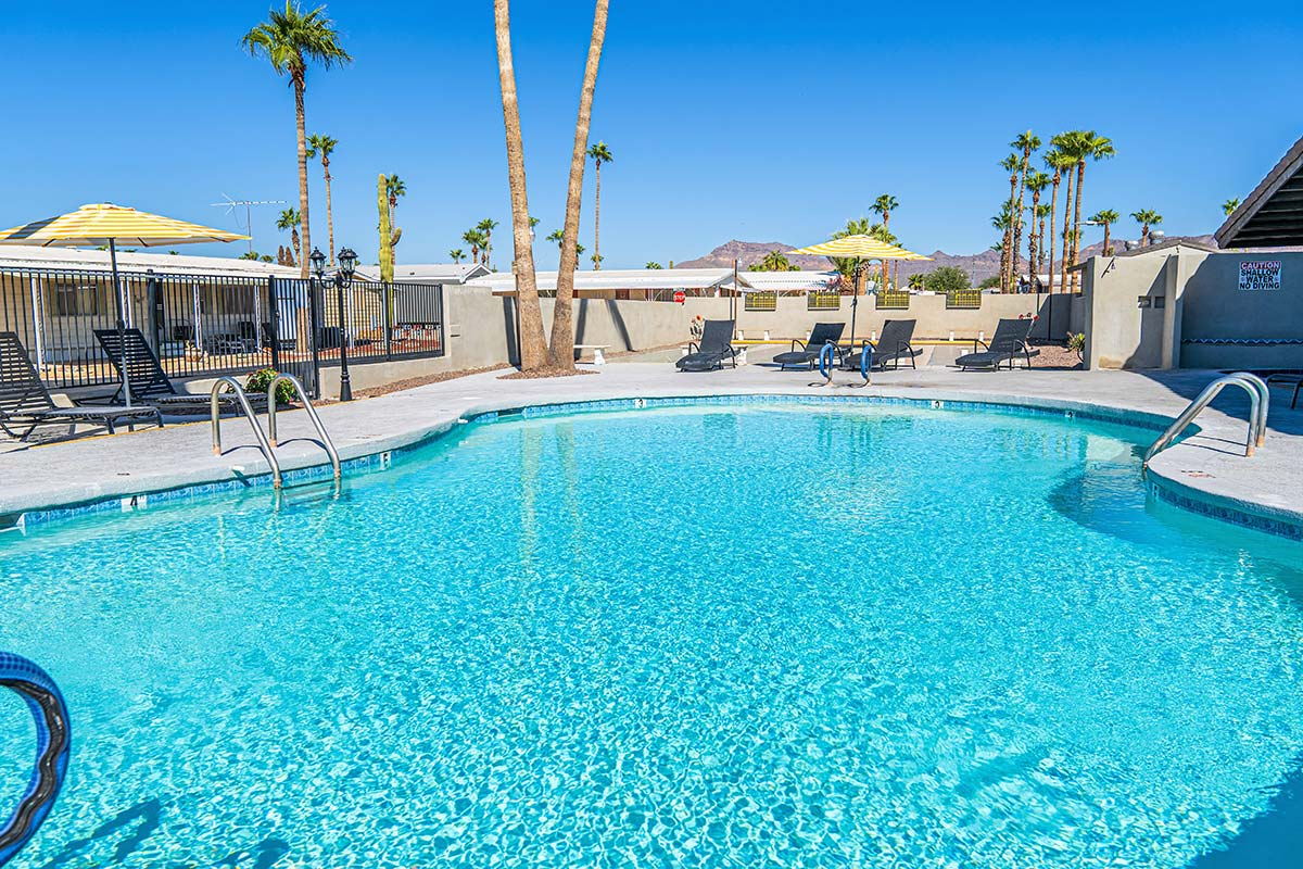 El Dorado Mobile Estates & RV Park's Seasonally heated pool