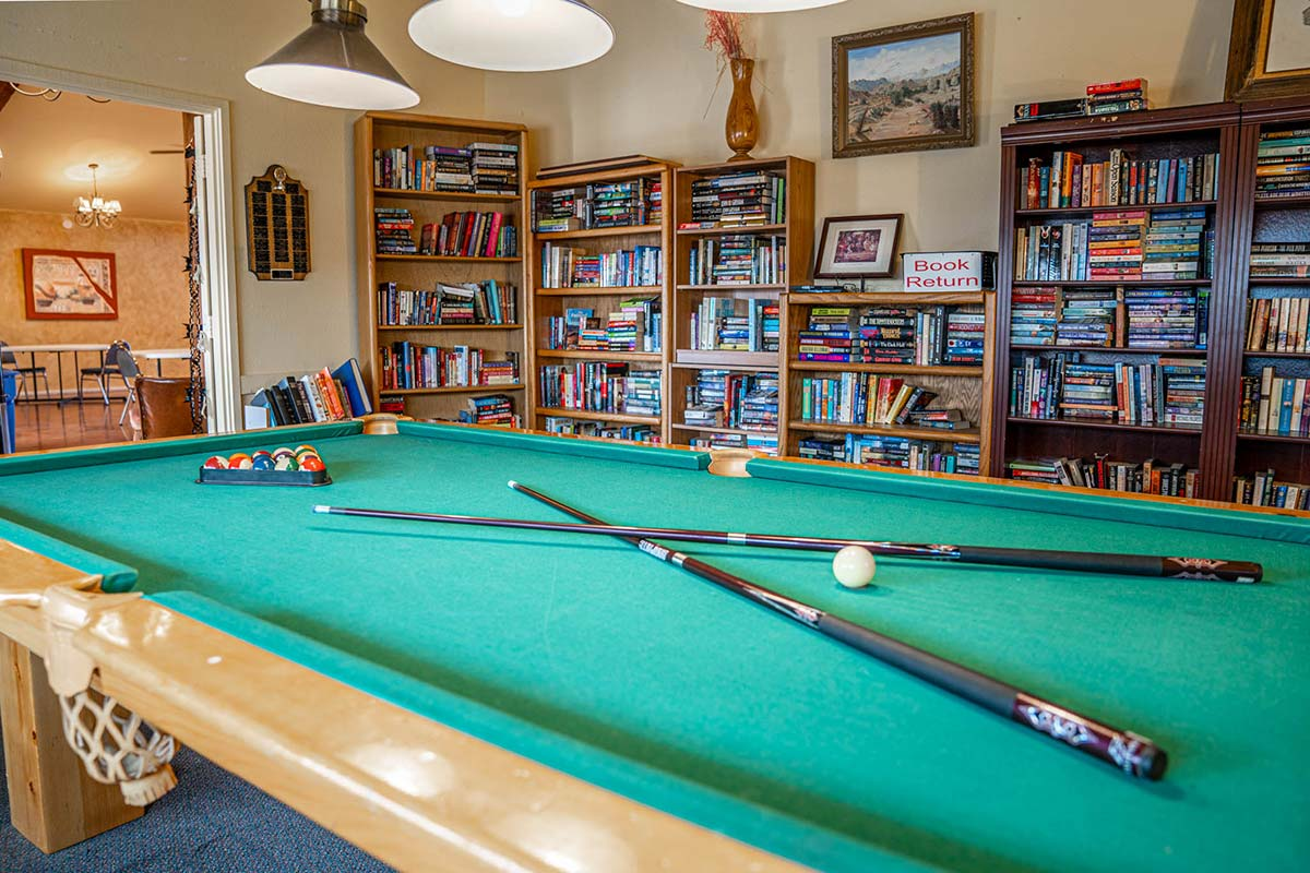 Ironwood RV & Mobile Home Park Billiard room and Library