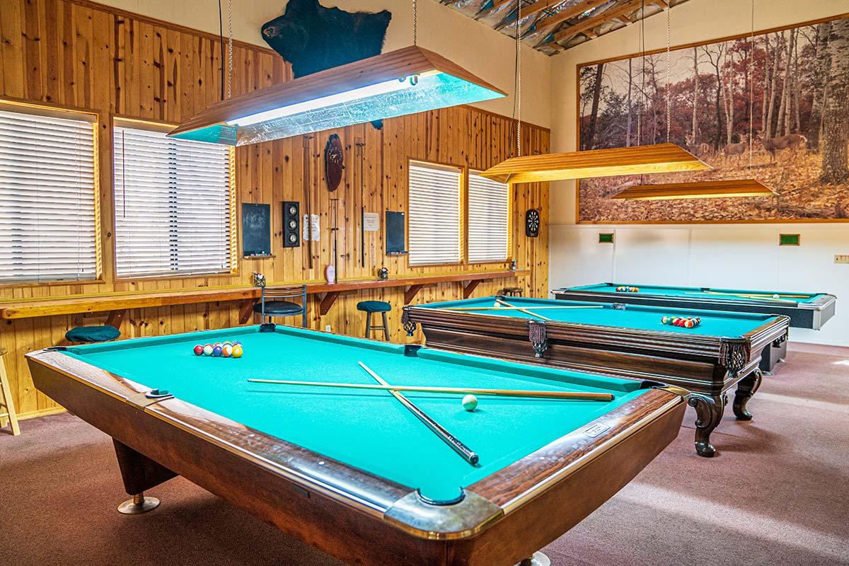 Lamplighter RV Resort & Park Billiards Room