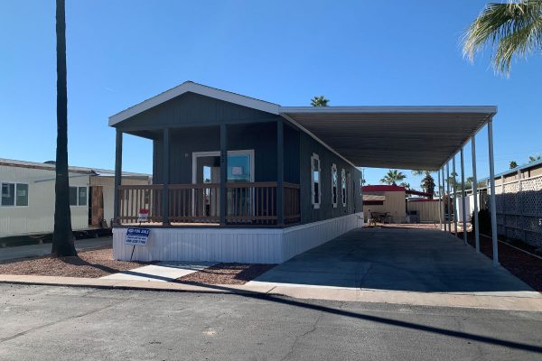 Meridian 142 mobile home in Apache Junction