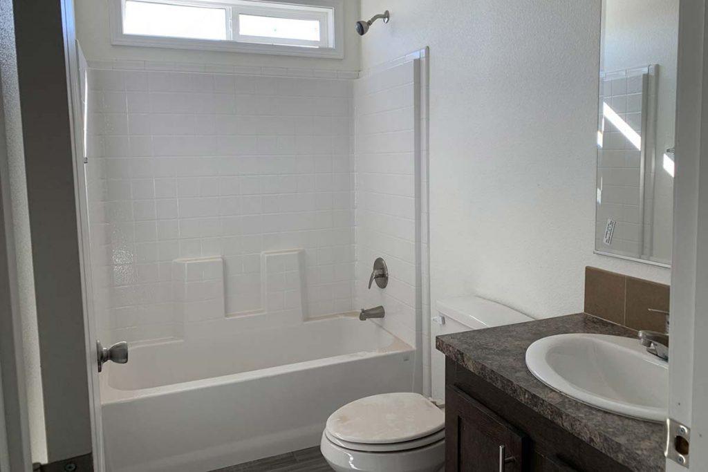 Meridian #142 full bathroom