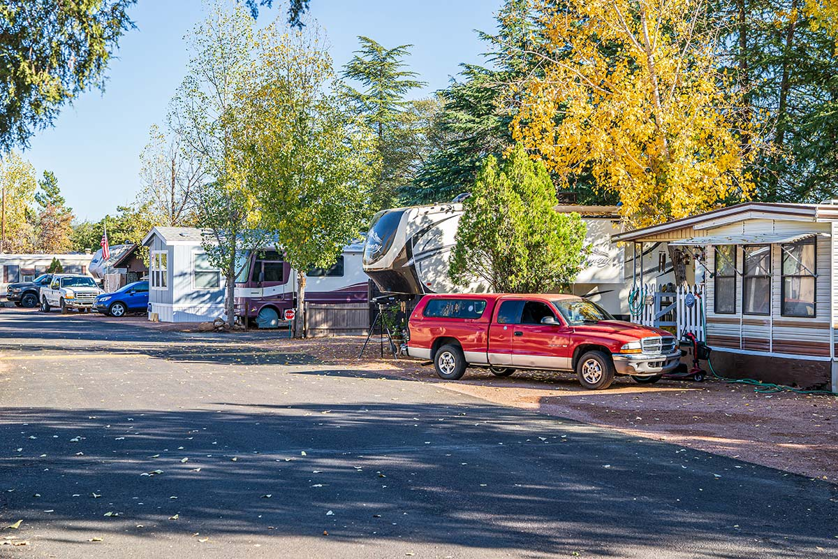 Paved streets through Pineview RV Resort