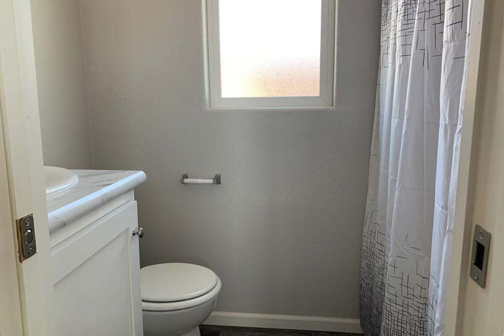 Shiprock #48 Full Bathroom