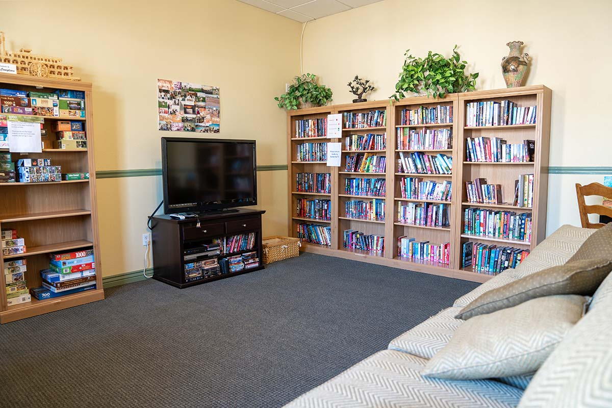 Library and TV/Sitting area at Shiprock RV Resort